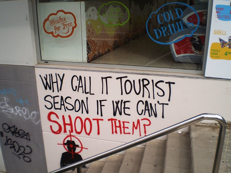 amenaces de matar contra els turistes Barcelona Colau mai 2017